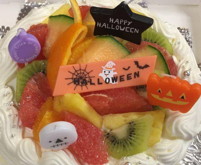 ハロウィンのデコレーションケーキ